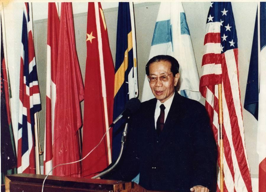 Samdech Son Sann (05 tháng 10, 1911-19 tháng 12, 2000).