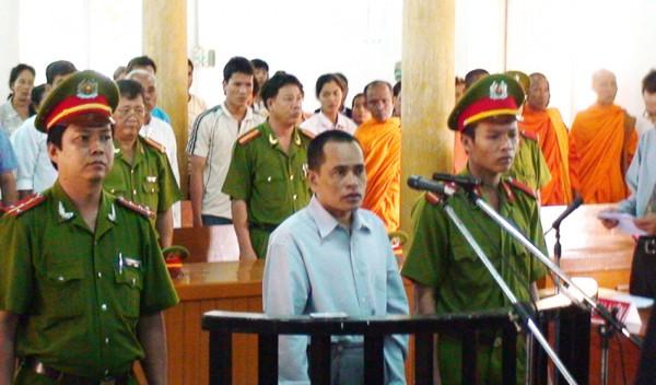HRW kêu gọi Việt Nam trả tự do cho nhà sư Tim Sakhorn