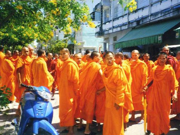 Người Khmer Krom bị sách nhiễu khi về thăm Việt Nam