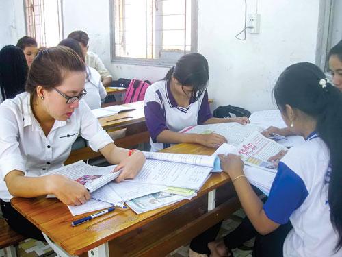 Sinh viên người Kinh và Khmer Krom bắt đầu học ngôn ngữ Khmer tại Kampuchea Krom để có cơ hội tìm việc làm